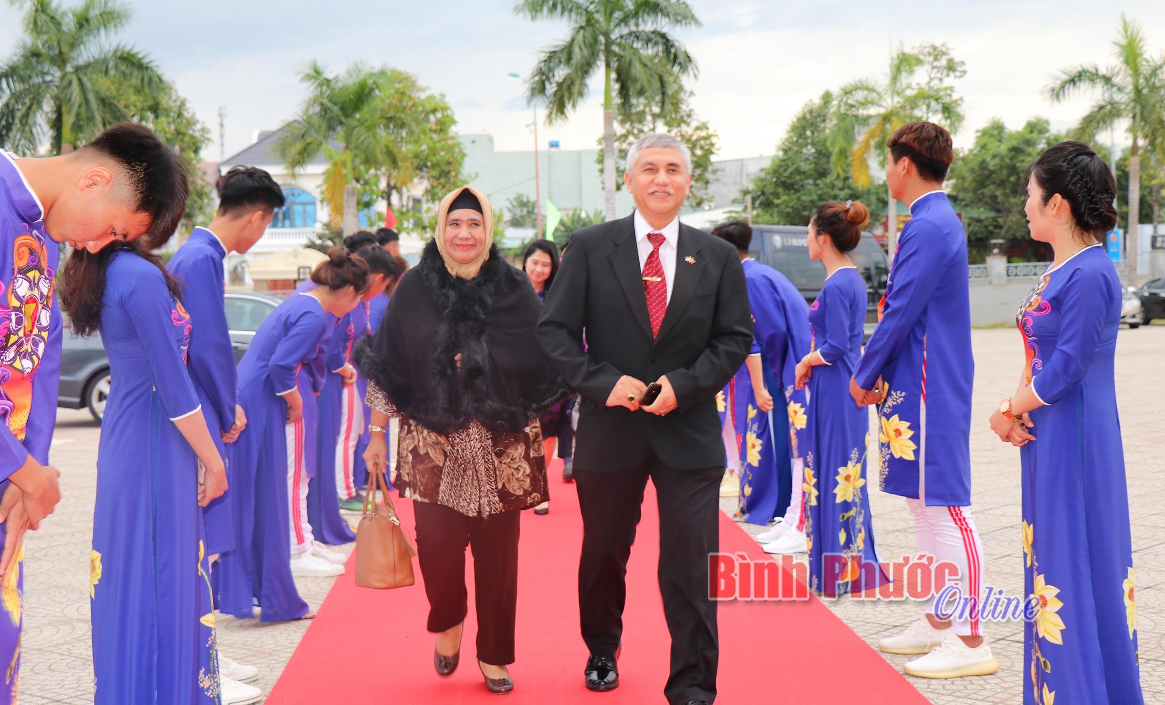 Khai mạc Triển lãm Ảnh và Phim phóng sự - Tài liệu trong cộng đồng ASEAN năm 2020