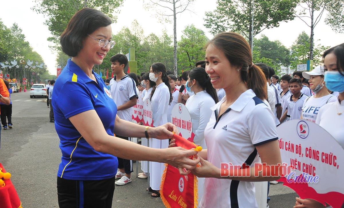 """Bình Phước: Hơn 1.000 người tham gia Ngày chạy Olympic """"Vì sức khỏe toàn dân"""""""