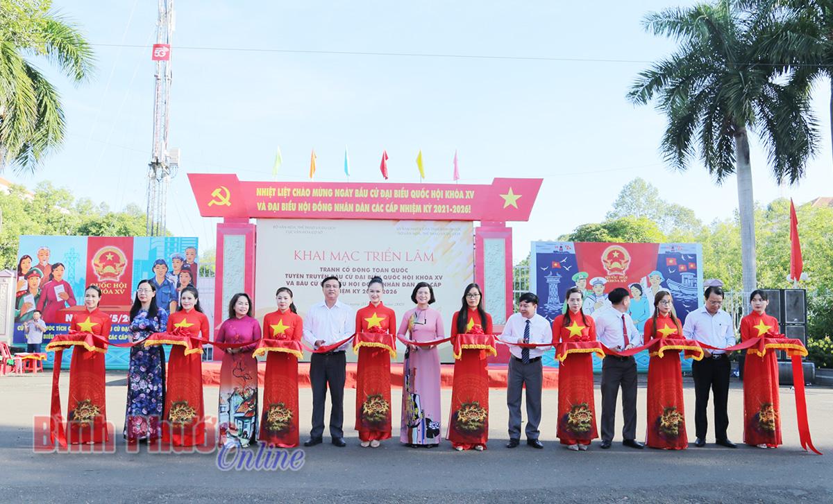 300 tranh cổ động tuyên truyền bầu cử đại biểu Quốc hội và HĐND