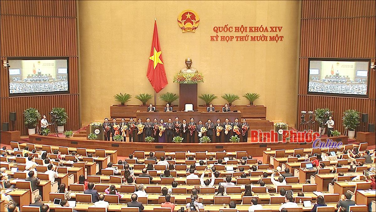 Quốc hội phê chuẩn bổ nhiệm 2 tân Phó thủ tướng và 12 bộ trưởng, trưởng ngành