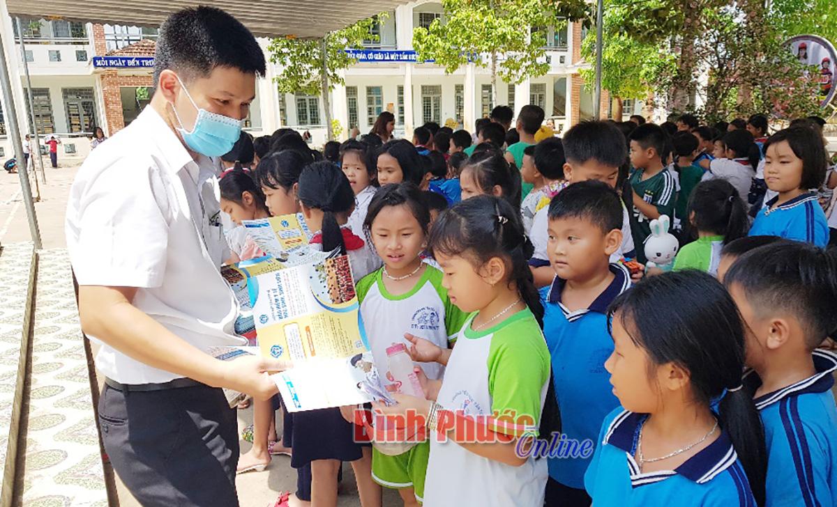 BHYT học đường: Nhiệm vụ không của riêng ai