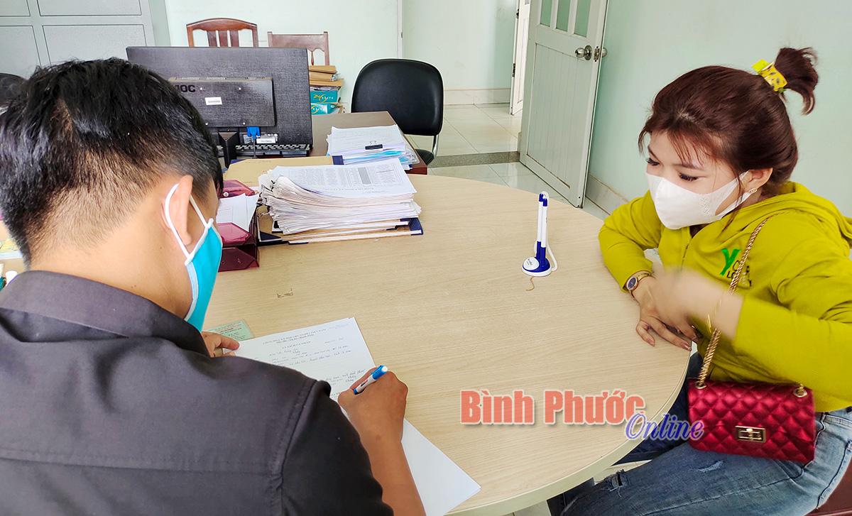 Bắt quả tang 2 nữ nhân viên đang kích dục cho khách trong quán cà phê - Binh Phuoc, Tin tuc Binh Phuoc, Tin mới tỉnh Bình Phước